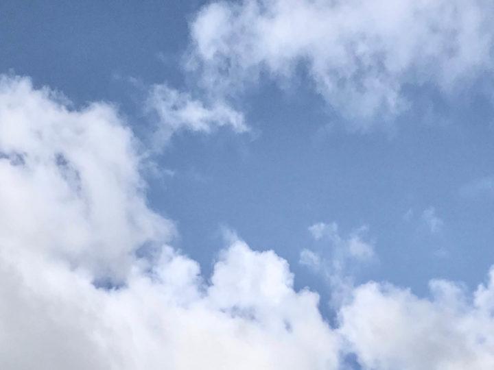 Loop met je hoofd in de wolken