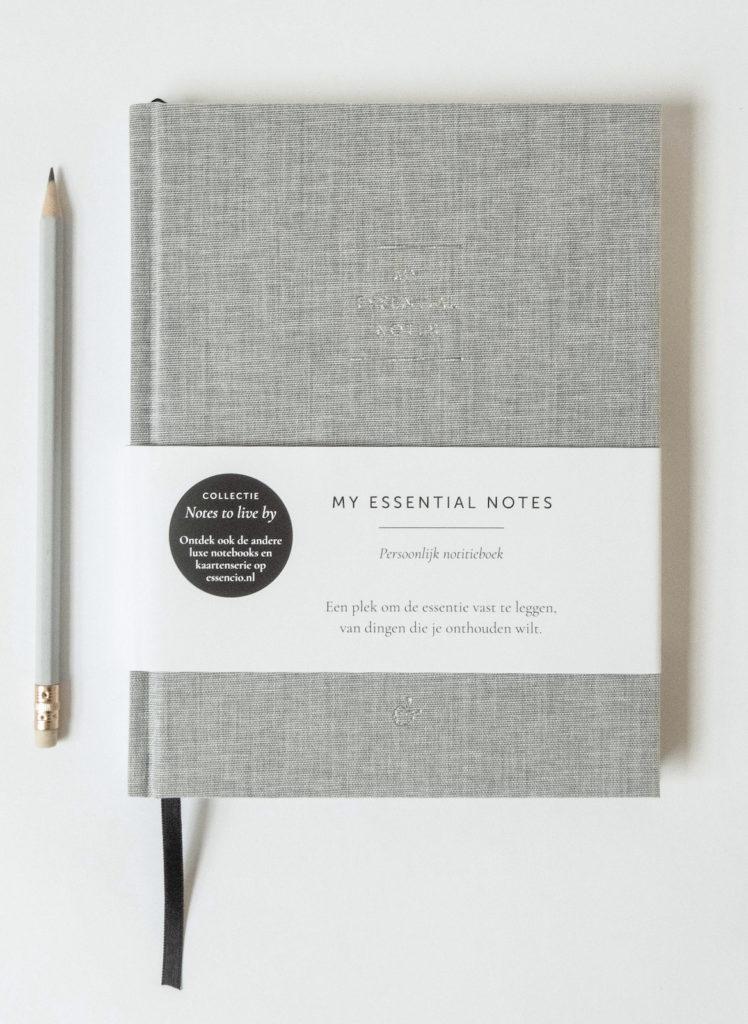 My Essential Notes Essencio - Persoonlijk luxe notitieboek zilver grijs
