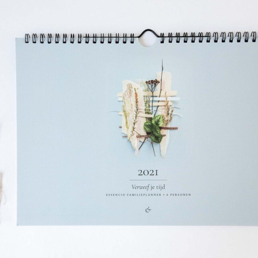 Essencio Familieplanner 2021 - Stijlvol overzichtelijke praktische familieplanner natuur foto's inspiratie - Vrolijk Familieplanner 2021 - 2