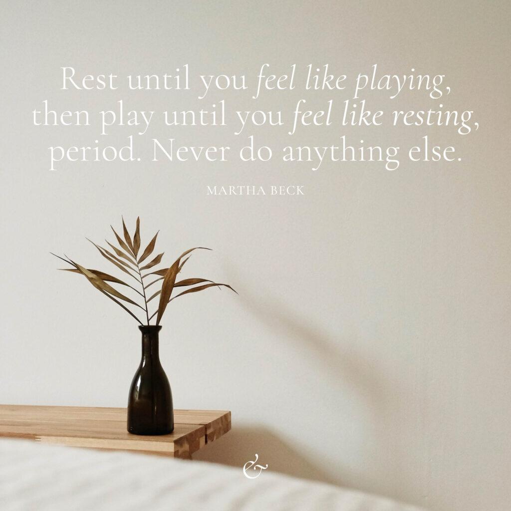Essencio social media post inspiratie rusten en spelen quote rust en speel eenvoudig minimalistisch rustig